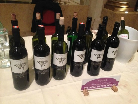Antiqua Tours: Wine, Cultural and Culinary Experiences : From the natural wine tasting