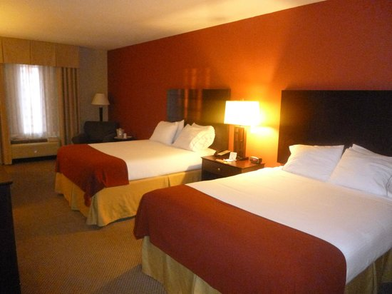 Holiday Inn Express Crystal River: Beds