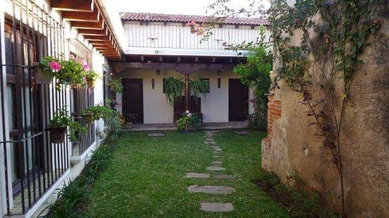 Hotel Sor Juana: Main Courtyard
