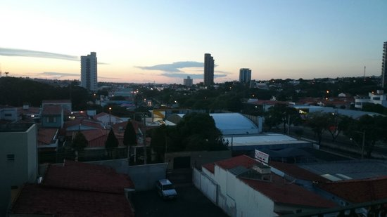 Hotel Colonial Plaza: Vista do quarto