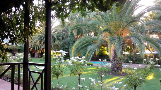 Hlangana Lodge: Lovely gardens