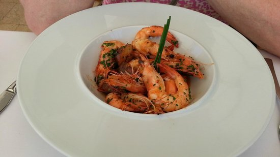 Iberostar Grand Hotel Salome: Pool bar food.