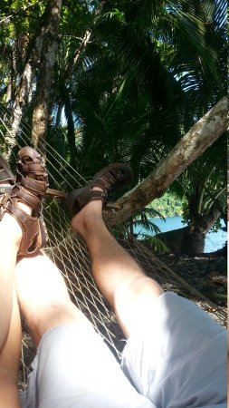 Playa Nicuesa Rainforest Lodge: Relaxation in a hammock by the sea.