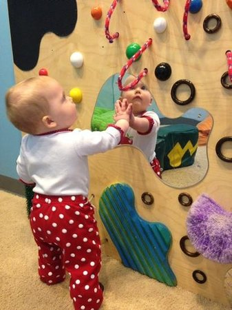 Great Lakes Children's Museum : checking out the infant area