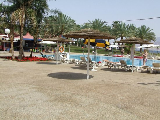 Prima Music: The pool and courtyard area of the hotel