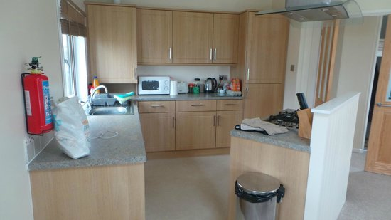 Ashbourne Heights Holiday Park: Kitchen Area