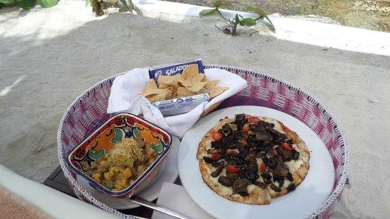 Hotel B Cozumel: more beach service!!