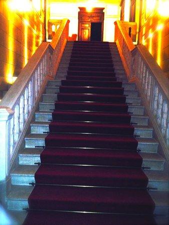 Château de Cîteaux La Cueillette : entrée de l'hôtel