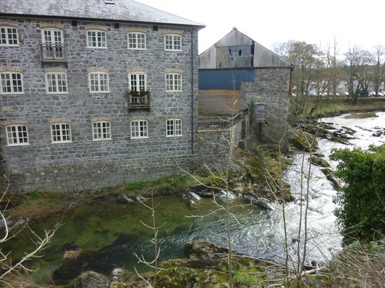 Trewythen Hotel: Flannel mill by river Severn