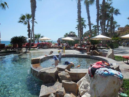 Sheraton Grand Los Cabos Hacienda del Mar: Shallow area for kids by main pool
