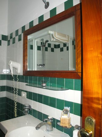 La Magnolia: Bathroom