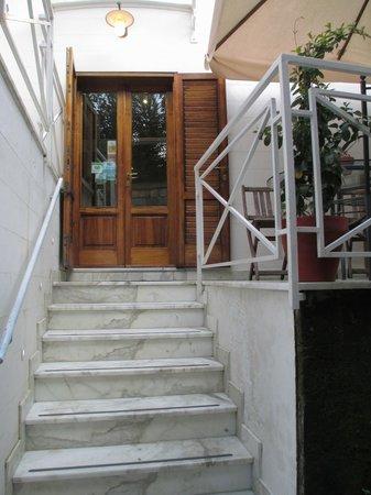 La Magnolia : Entrance
