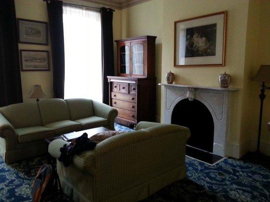 Linden Row Inn: Sitting area