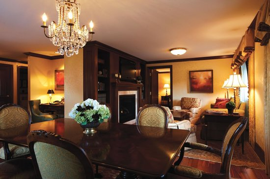 The Towers at the Kahler Grand Hotel: Hemisphere Suite