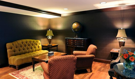 The Towers at the Kahler Grand Hotel: Concierge Lounge