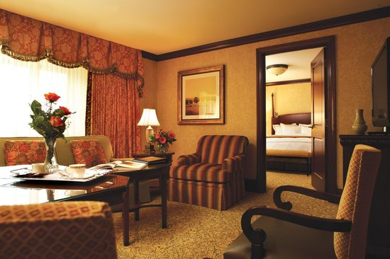 The Towers at the Kahler Grand Hotel: Executive Suite King Bed