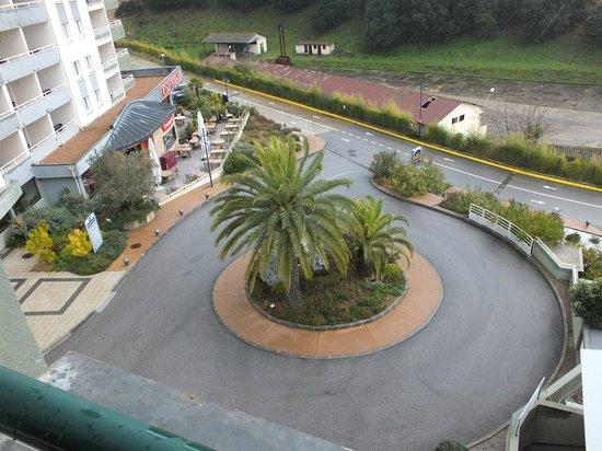 BEST WESTERN Ajaccio Amiraute: ingresso e vista del ristorante Courtepaille