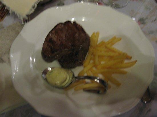 Hotel San Rocco: filetto con patatine fritte
