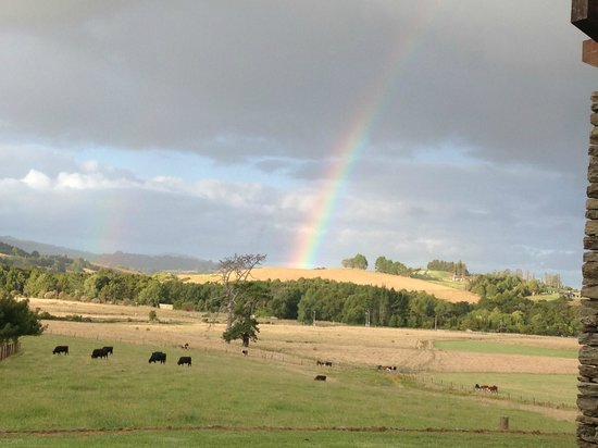 Warkworth Country Retreat: A rainbow welcomed us on arrival.