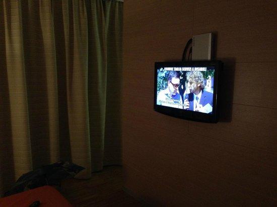 Schio Hotel: TV LCD