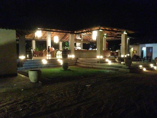 Cormaran Beach Club : Front View