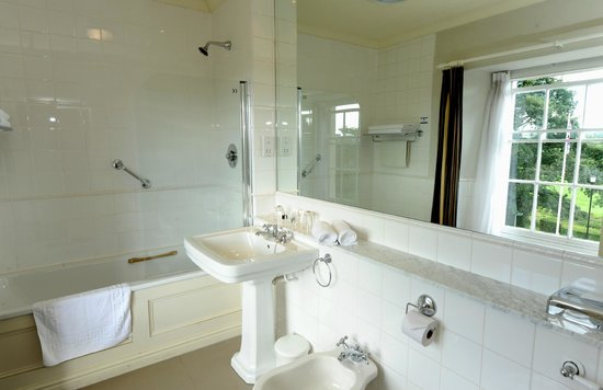 Best Western Lamphey Court Hotel & Spa: Bathroom