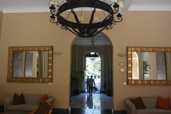 LP Los Portales Hotel Piura: Main hall