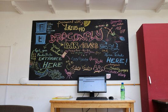 Dragonfly Hostels Cusco: chalk drawing