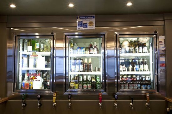 Kaslo Hotel Pub & Restaurant : Try a local beer on tap...