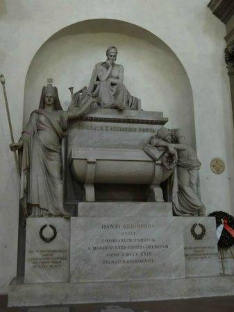 Basilica di Santa Croce: Tumba de Dante