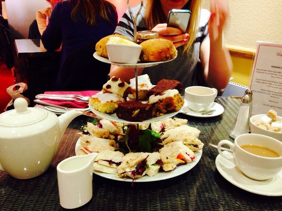 Georgina's Cafe: Afternoon tea.