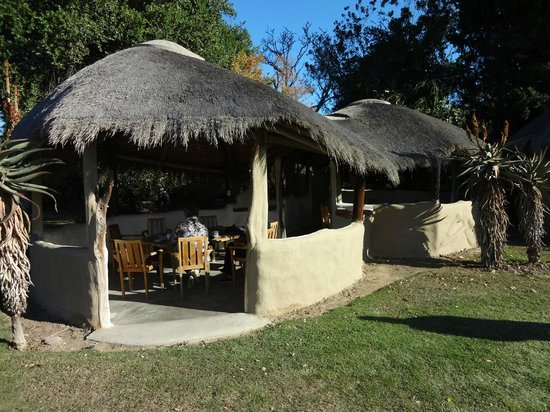Chrislin African Lodge: The Rondavel