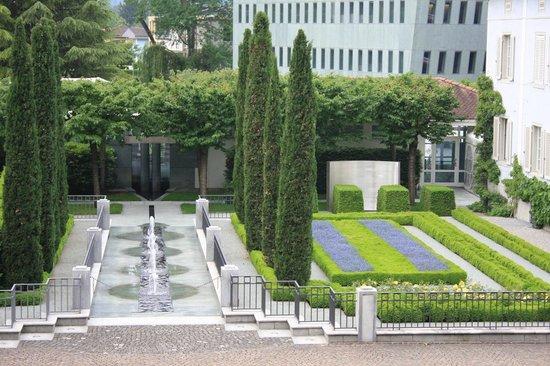 Liechtenstein Center: giardini