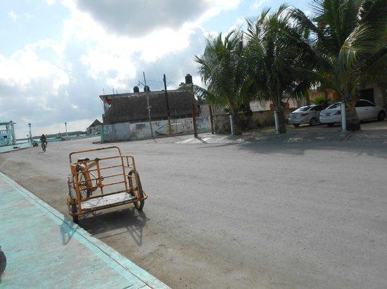 Hotel Villa de Pescadores: the street