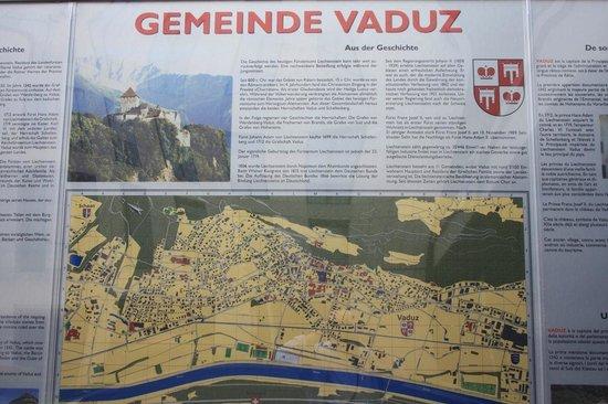 Liechtenstein Center: cartello per vicinanze Vaduz