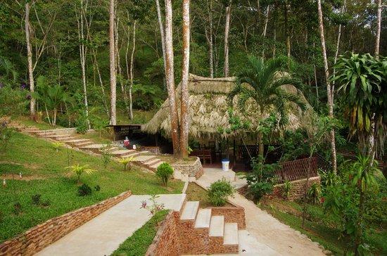 Rio Santiago Nature Resort: BAR DINNING  HUMMINGBIRD VIEWING