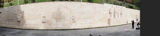 Reformation Wall (Mur de la Reformation): Lovely & iconic wall in Geneva