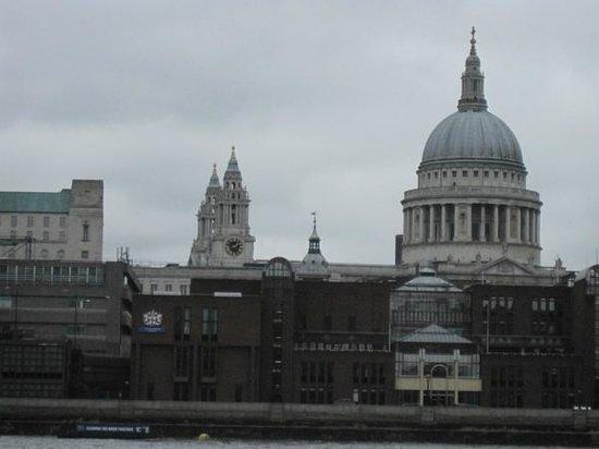 Tate Modern : St. Paul vista dal terazzo della tate