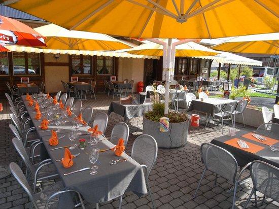 Muhledorf, Schweiz: Grosse Terrasse