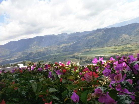 Orosi River Valley  ( El Valle del Rio Orosi ): vista del valle