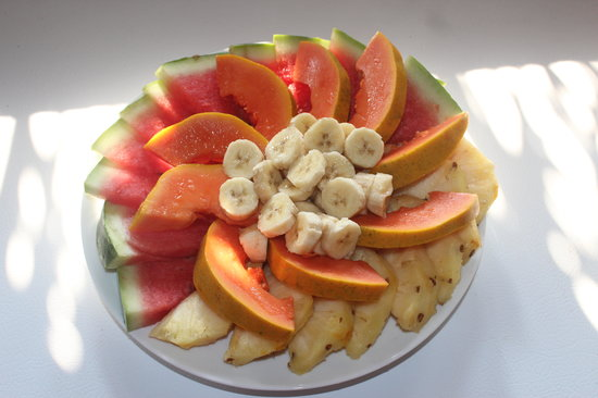 Kiskadee Lodge: enjoy a tradfitional Belizean breakfast, including fresh, local watermelon, pineapple, banana, a