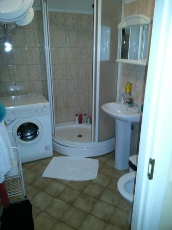 Town Hall Square Apartments: Bathroom