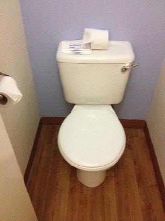 Novotel Manchester West: WC