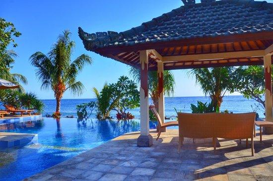 Puri Wirata Dive Resort and Spa Amed: Magnifique terrasse de l'hôtel