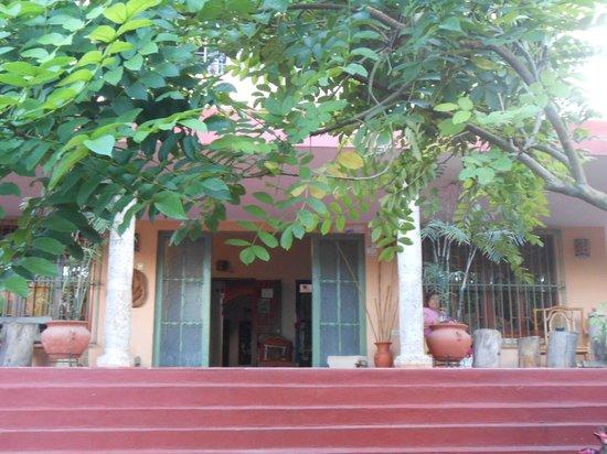 Casa Hamaca Guesthouse: Entrance to reception