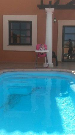 Holiday Villas: Leni Lifeguard