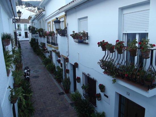 Benalmadena Pueblo (The Old Village) : Lane outside La Posada Hotel