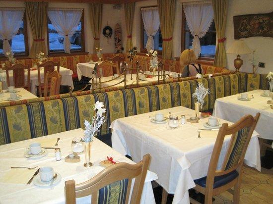 Hotel Flora: Restaurant