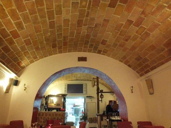 Il soffitto a botte picture of u pampasgiolu ajaccio tripadvisor