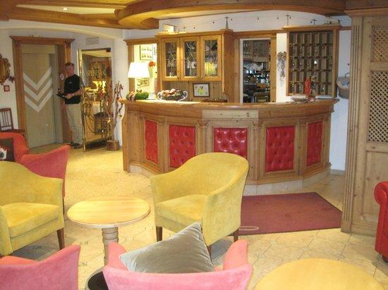 Hotel Flora: Reception
